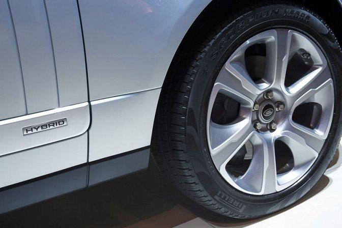 Land Rover - Range Rover Long