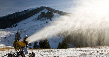 Jak se vyrábí technický sníh
