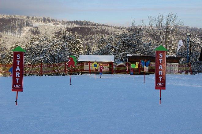 Lyžařská škola ve ski areálu Troják