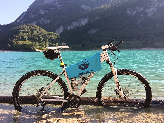 V okolí Lago di Garda se nachází i krásné jezero Lago di Tenno