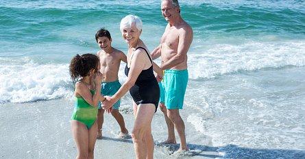 Dovolená s babičkou a dědou - nezapomeňte  dát dětem potřebné dokumenty