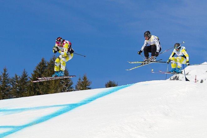 Ski cross je jedním z disciplín na olympiádě