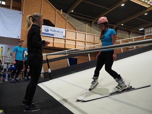 Výuka na lyžařských simulátorech ve Freestyle Kolbenka