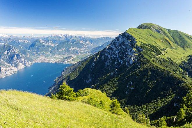 Výhled na Lago di Garda z Monte Baldo