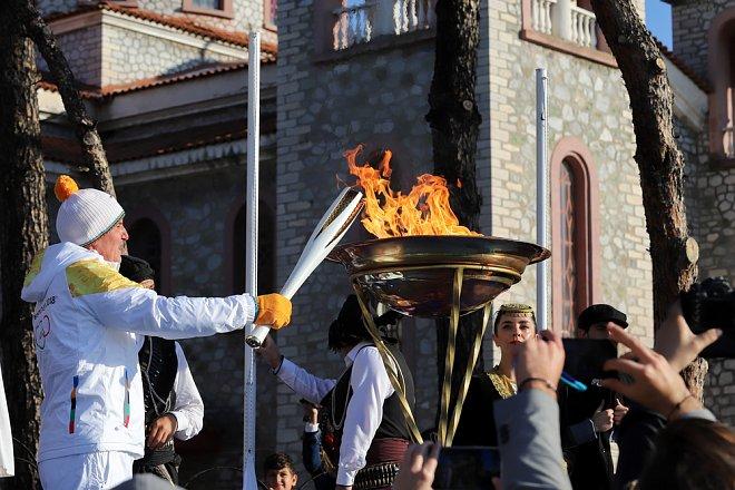 Zapálení olympijského ohně v Řecku