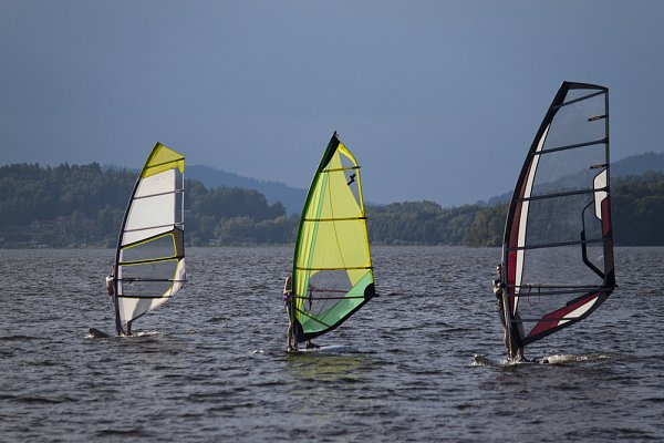 Aktivita Lipno Windsurfing